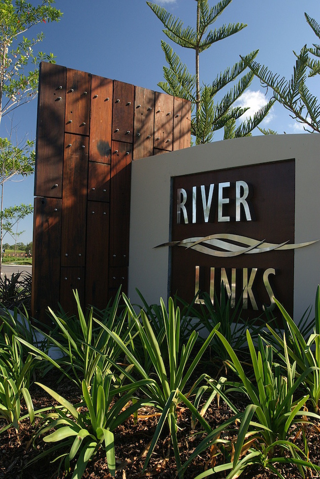 River Links entry signage